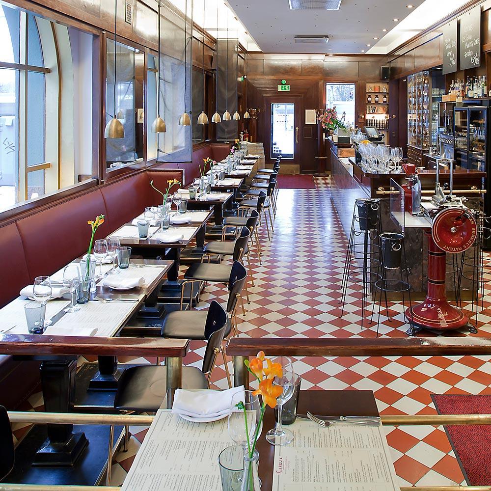 Carelia ravintola oopperan lähellä