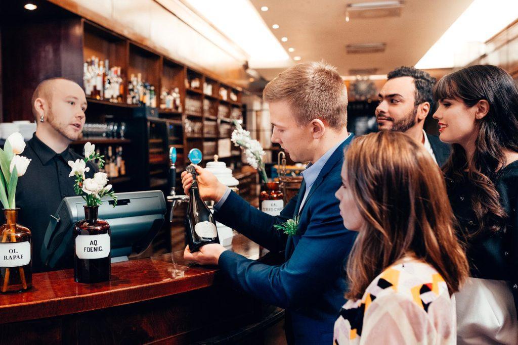 Räätälöidyt viini-illat ja tastingit Helsingissä