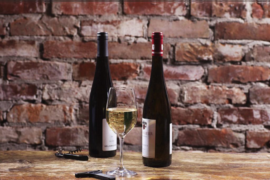 Valkoviinit. Ravintola Carelia järjestää tyylikkäät viininmaistelut.